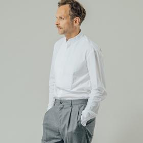 フロントプリーツ コットンバンドカラーシャツ MEN